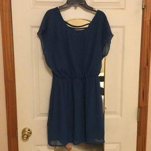 Flowy blue short dress